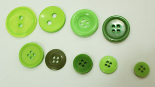 Buttons in a line in order of size