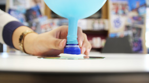 Balloon on sports capon CD
