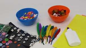 Feathers, stickers and sweets to decorate the sunglasses with