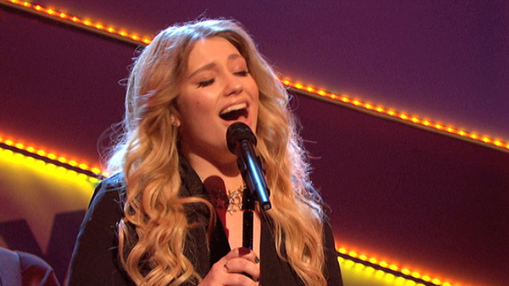 Ella Henderson singing on Friday Download.
