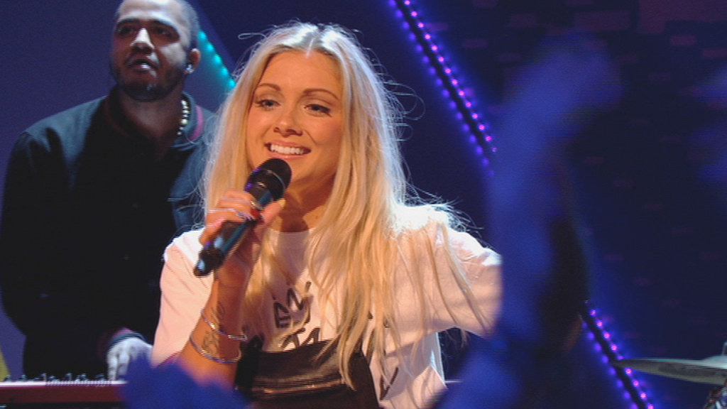 Alexa Goddard performing on Friday Download.