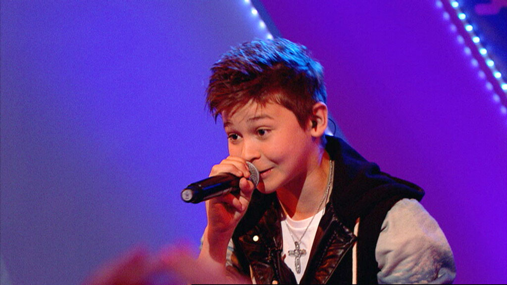Leondre Devries from Bars and Melody, performing on Friday Download.