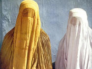 Afghan women wearing Burqas (archive photo)