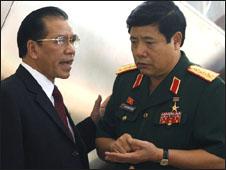 Bộ trưởng Quốc phòng Phùng Quang Thanh và ông Nông Đức