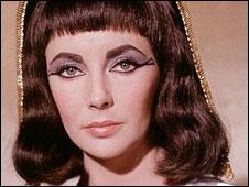 Elizabeth Taylor no papel de Cleópatra (arquivo)