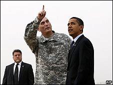 Obama con el comandante Ray Odierno
