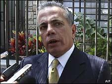 Manuel Rosales en Perú