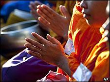 Monges budistas na Tailândia