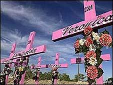 """Cruces que conmemoran a las """"Muertas de Juárez"""""""