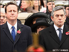 David Cameron (derecha) y Gordon Brown.