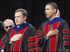 Michael Crow, director de la Universidad Estatal de Arizona, y Barack Obama