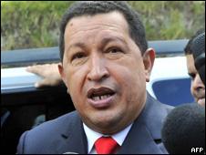 O presidente da Venezuela, Hugo Chávez, durante visita ao Equador, no último domingo (AFP)