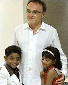 Danny Boyle com Azharuddin e Rubina
