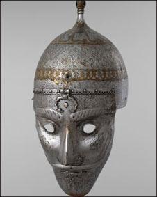 کلاهخود فولادی همراه با نقاب، ساخت ایران، قرن شانزدهم