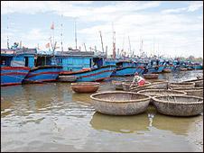 Thuyền cá Quảng Ngãi