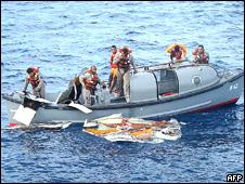 Labores de rescate de la marina brasileña