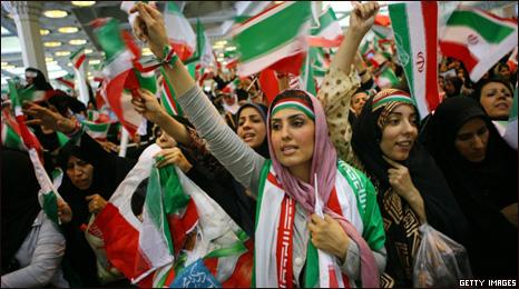 Tensão explode em Teerã com resultado das eleições