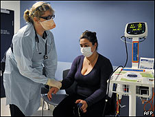 Paciente es examinada para descartar gripe porcina en Australia