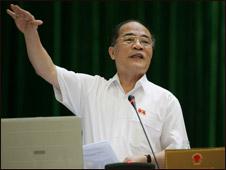 Phó Thủ tướng Nguyễn Sinh Hùng