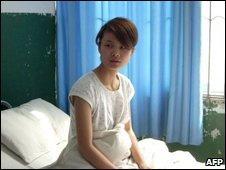 Deng Yujiao em um hospital de Badong