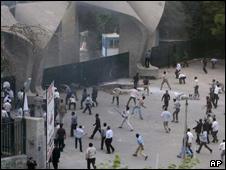 حمله به دانشگاه ها
