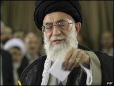 O líder supremo do Irã, aiatolá Ali Khamenei (AP, 12/6)