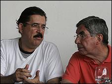 Manuel Zelaya y OscarArias.