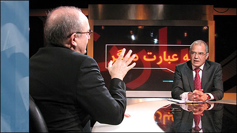Presenter Enayat Fani (right), in a special Washington-based edition of the programme Be Ebarate Digar (Hardtalk) talks to Mohsen Sazegara, an Iranian journalist and activist