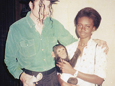 "Foto con historia: ""Michael Jackson ,el mono y yo"" 090708115327_outlook_mjmonkey_04"