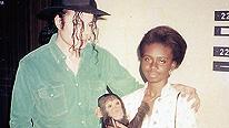 "Foto con historia: ""Michael Jackson ,el mono y yo"" 090708142924_outlook_mjmonkey_206x116"