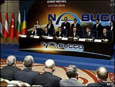 """Во время пресс-конференции, посвященной """"Набукко"""""""
