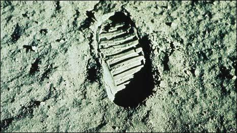 Pisada de Neil Armstrong en la Luna