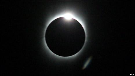 كسوف الشمس في آسيا بالصور 090723212233_..003.j