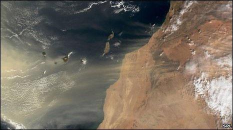 As areias de desertos e dunas estão em constante movimento. Foto SPL/BBC