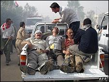 سازمان مجاهدین خلق این عکس را منتشر کرده و گفته است که مجروحان را در اردوگاه اشرف نشان می دهد