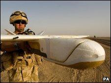 Солдат с беспилотником