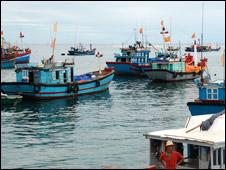 Thuyền cá của Việt Nam
