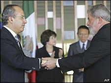 Felipe Calderón (izq.) y Lula da Silva