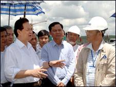 Thủ tướng Nguyễn Tấn Dũng thị sát dự án bauxite tại Lâm Đồng