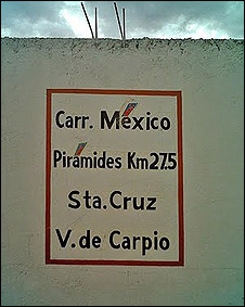 Letrero con corrección de acentos de campaña de Zulaica
