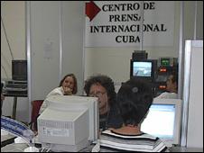 """Periódico cubano ataca la censura-----------VEREMOS CUANTO """"DURA"""" QUIEN ASI HABLA, EN UN MEDIO OFICIAL DELC ASTRISMO 090831140224_sp_cuba_prensa_226x170"""