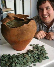 britanico desenterra tesouro romano de 2000 anos 090916112204_moedas226