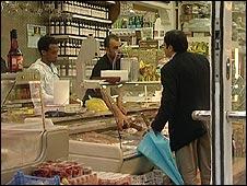 Banyak konsumen menghendaki produk bersertifikat halal