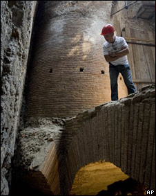 Descubrimiento comedor giratorio de Nerón en Roma.