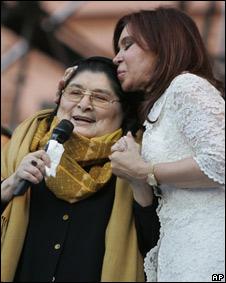 Sosa y la presidenta argentina Cristina Fernández de Kirchner