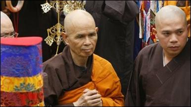 Thiền sư Nhất Hạnh tại tu viện Bát Nhã