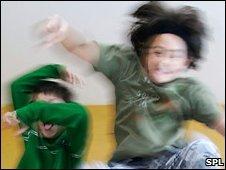 Crianças com distúrbio tendem a ser agitadas e impulsivas. Foto: SPL