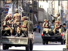 Exército entra em cidade próxima ao Waziristão