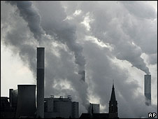 Fábricas emitiendo gases