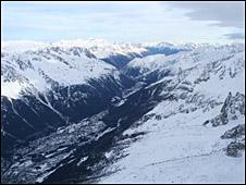 Nieve y hielo en los Alpes. Imagen de archivo.